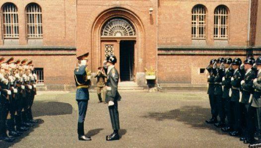Последняя смена караулов в Шпандау 1 августа 1987 года