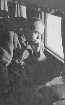 Альберт Шпеер в самолете, 1943 год.